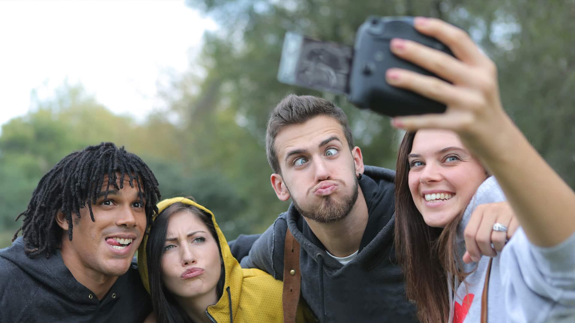 fografias_ilicitas_contexto_escolar_foto_selfie